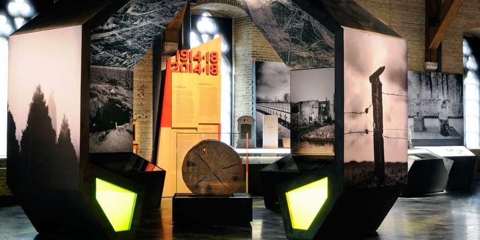 Leuchtkästen von Erler+Pless Hamburg erzeugen eine stimmungsvolle Atmosphäre im Museum