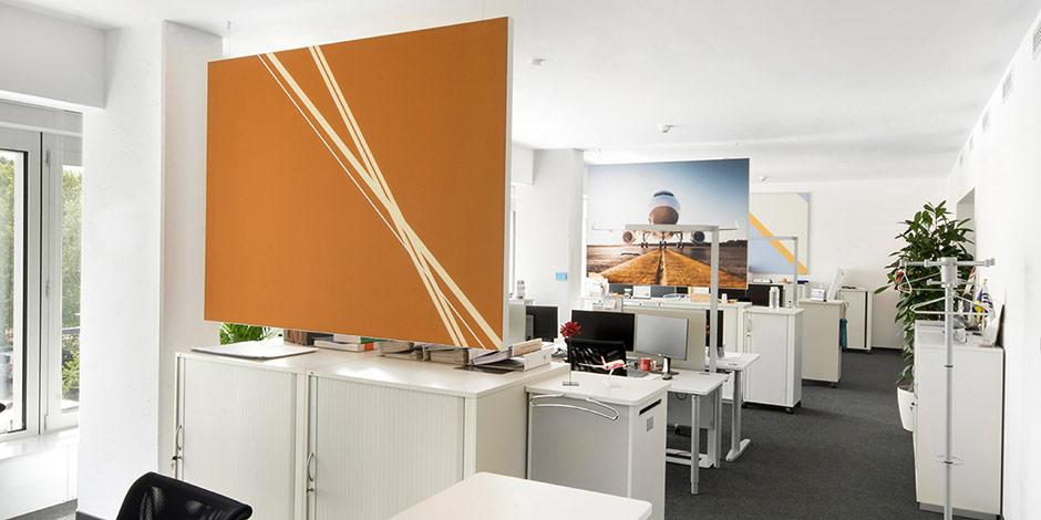 Akustikbilder von Erler+Pless Hamburg reduzieren den Nachhalleffekt in den Open-Space-Büros der Lufthansa